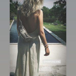 Nicoline Toft med Kundalini bumbag taske naturfarvet python skind instagram
