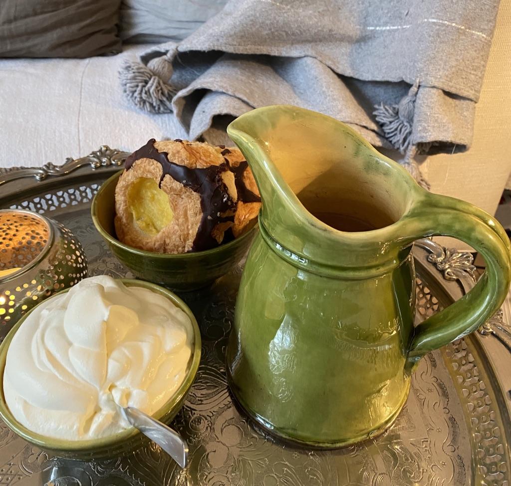keramik provence fra Manipura Living med varm kakao